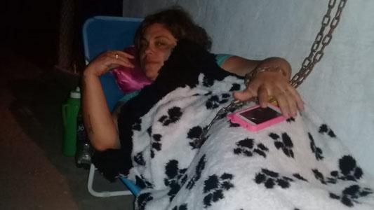Mujer encadenada inicia huelga de hambre si no le traen su marido a la cárcel local
