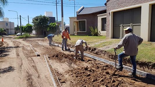 El año electoral multiplica las obras y arreglos de calles en Villa María y Villa Nueva