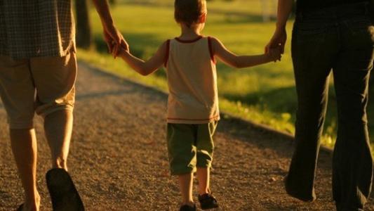 Buscan familias transitorias para que alojen niños y niñas separados de sus padres