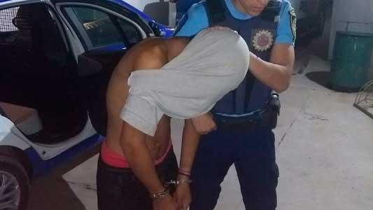 Vecino alerta sintió ruidos al lado y avisó a la Policía: 2 ladrones atrapados