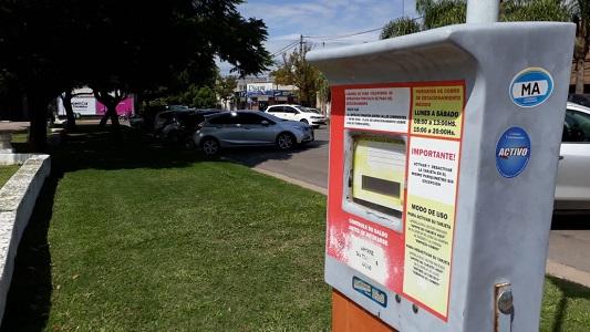 Hasta que no vuelvan a cobrar $6 no habrá control del estacionamiento