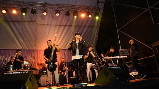 Jean Carlos hizo bailar a 20 mil personas en el Parque de Villa Nueva