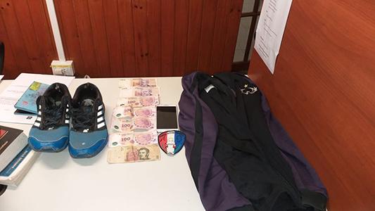 Asalto a un taxista: Joven fue detenido por robarle dinero, celular y zapatillas