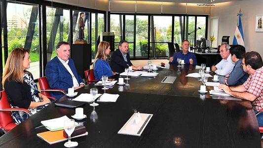 Lanzan plan del gobierno provincial con 25.000 viviendas para Córdoba