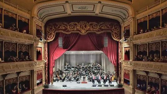 En una Noche de Gala, quedó reinaugurado el histórico Teatro Libertador