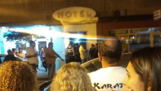 El hombre gravemente herido en un hotel estaba en situación de calle