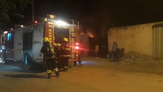 Otra vez: Incendio de proporciones en chacarita de Los Olmos