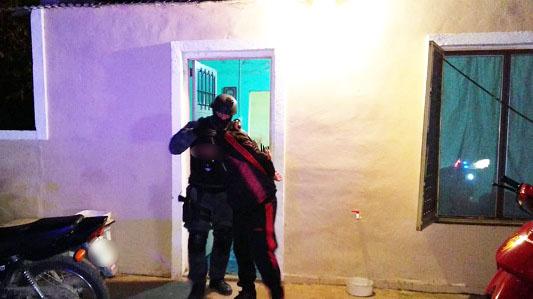 Cae narco en Tío Pujio: allanaron 3 casas por llamados anónimos