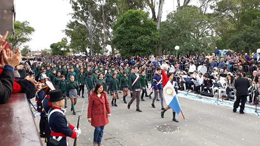 Mirá todo el desfile por la Revolución de Mayo en Villa Nueva
