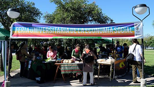 Tres días de feria en Campus de la UNVM con variedad de productos y precio justo