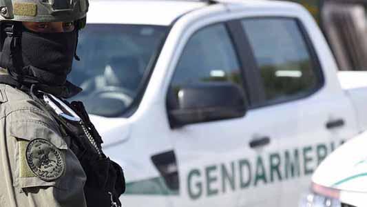 Estaban en la costanera con 80 dosis de marihuana cuando los atrapó Gendarmería