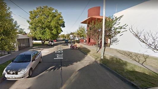 Denuncian que desconocidos invitaron a menor a subirse a un auto cerca de una escuela
