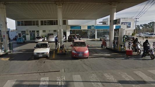 Más dinero falso: Taxista quiso pagar combustible con billetes de $ 500 y $ 200