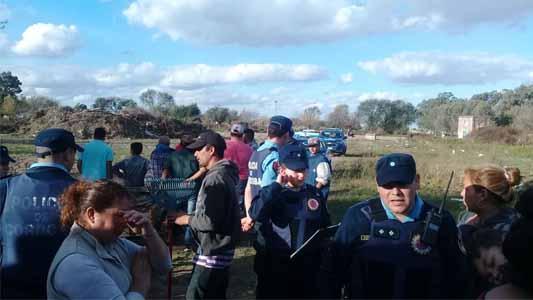 Vecinos tomaron terreno en barrio Las Acacias