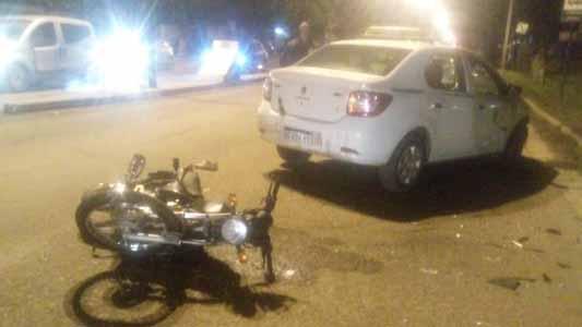 Habría pasado en rojo el joven que murió tras chocar en moto