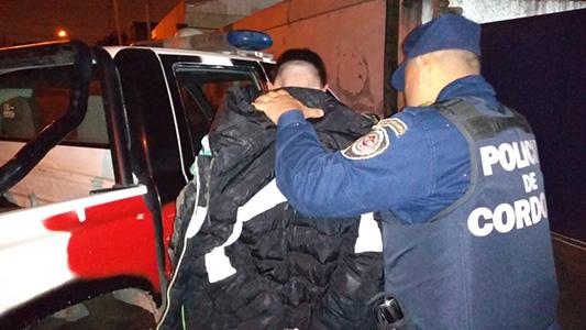 Por lesiones leves y entorpecimiento detuvieron a dos personas en un boliche