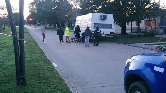 Choque fatal en Villa María: impactó en moto contra casilla rodante