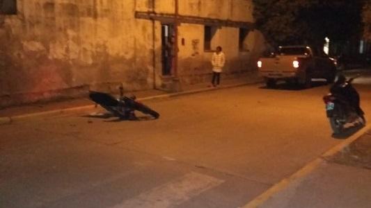 Grave trauma de cráneo para joven que chocó en Villa Nueva
