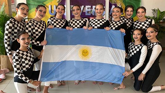 Del Prado a Brasil: bailaron y conquistaron el podio