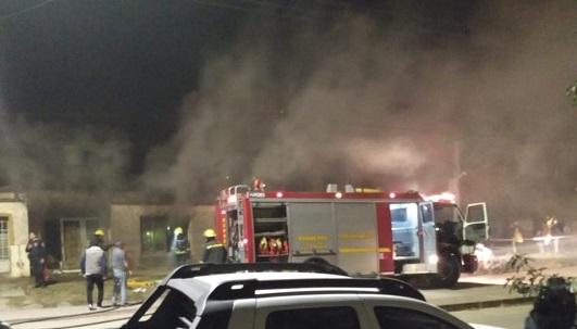 Incendio fatal: murieron 2 niños por el fuego en una vivienda