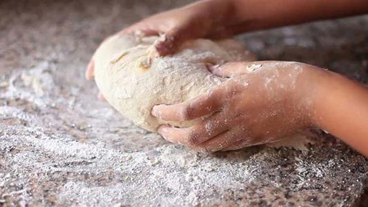 La Escuela Granja suma un espacio para elaborar alimentos y un taller de panadería