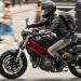 Ellas van al frente: No conseguía trabajo de ingeniera y decidió ser cadeta en moto