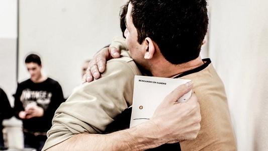 """10 presos graban su primer disco desde la cárcel: """"Buscando un camino"""""""