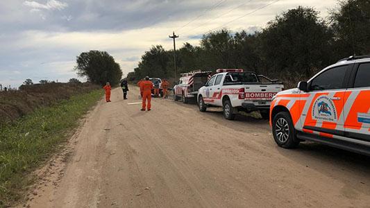 Bomberos, policías y perros buscan a la mujer de 73 años en ruta 9