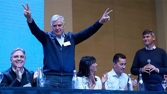 Llegan Carlos Guiterrez y más candidatos a diputados del peronismo cordobés