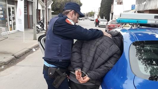 Vecino atrapó a ladrón de bicicletas y lo entregó a la Policía