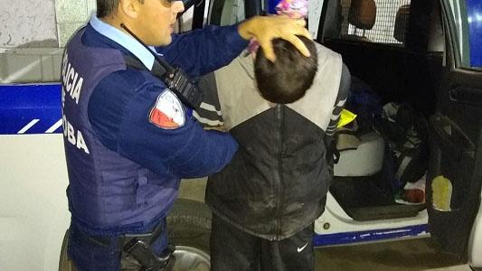 Le pegó piña a inspector municipal cuando le iban a secuestrar la moto