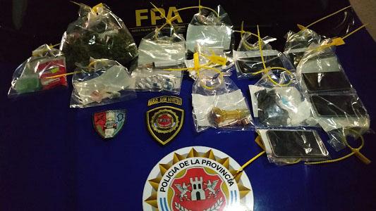 Llevaban marihuana y cocaína en el auto: 3 personas detenidas