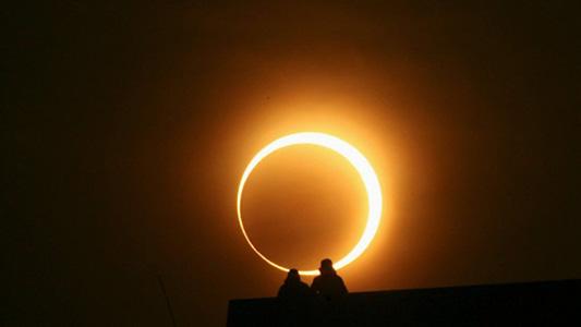 Todo lo que tenes que saber sobre el eclipse solar: Cómo protegerte y dónde verlo