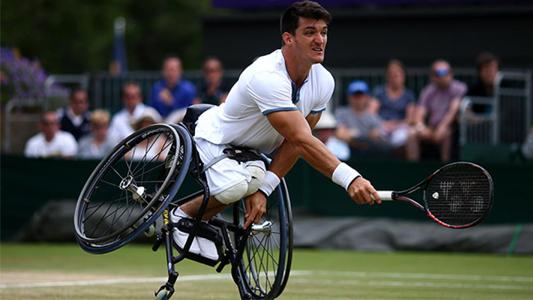 Es cordobés, ganó el título de tenis más importante y superó a Vilas