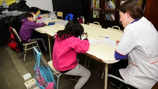 Apoyo escolar gratuito: Cómo anotar a los chicos del nivel primario
