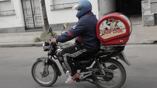 """Cadetes harán """"bocinazo"""" por el centro para pedir regulación de las apps de delivery"""