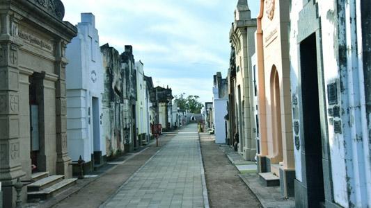 El cementerio de Villa Nueva, cada vez más un atractivo turístico