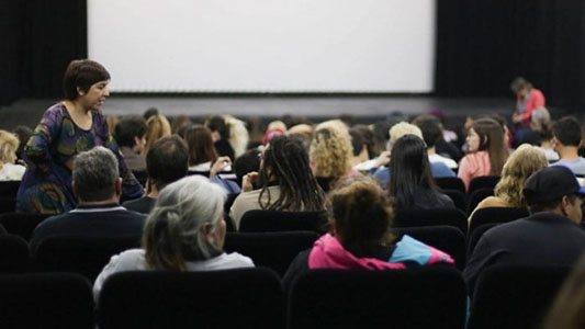 Adopción: Película para debatir y reflexionar