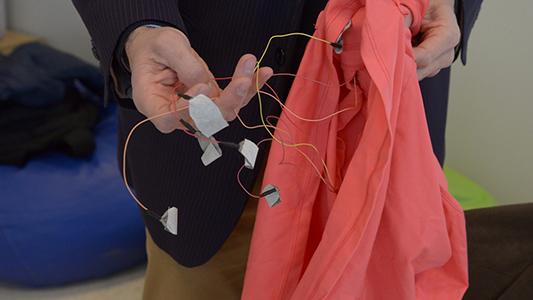 Inventos cordobeses: Crean un body para prevenir muerte súbita en los bebes