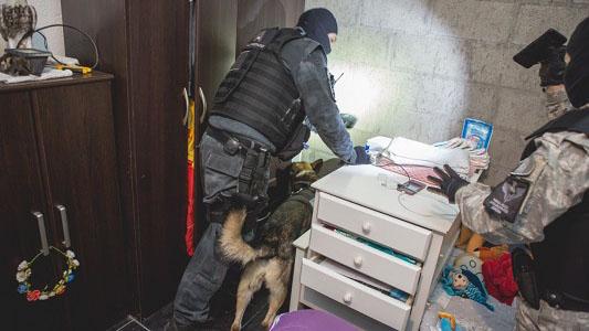 Cayeron 2 bandas narco que usaban mujeres para vender droga en Villa Nueva