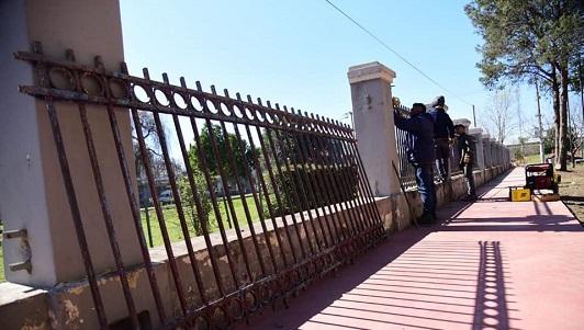 Festejo en la esquina: Inauguran arreglos frente al Municipio por 152 años de Villa María