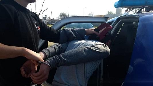 Amenazada con un cuchillo, empleada empezó a gritar y evitó el robo