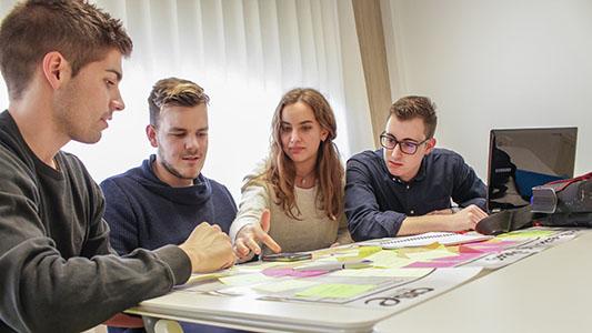 Futuros emprendedores: Oportunidad para estudiantes que busquen su propio negocio
