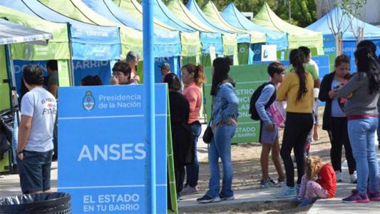"""""""Estado en tu Barrio"""" llega a la Villa para asesorar a vecinos en programas nacionales"""