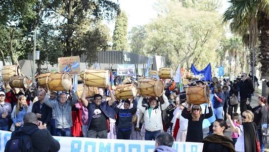 Piquete cultural en Villa Nueva con la primera Marcha de los Bombos