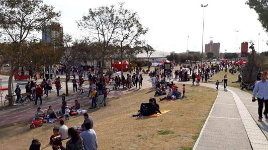 La juventud se festeja en el Parque de la Vida con música, video y derechos