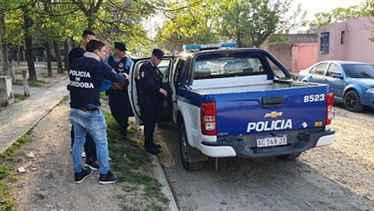 Hirieron a joven para robarle, los detuvieron y secuestraron un revolver