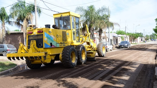 Limpian y arreglan calles en el San Martín y Nicolás Avellaneda