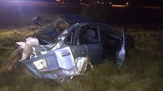Vuelco: 4 personas heridas por un accidente entre Arroyo Cabral y La Palestina