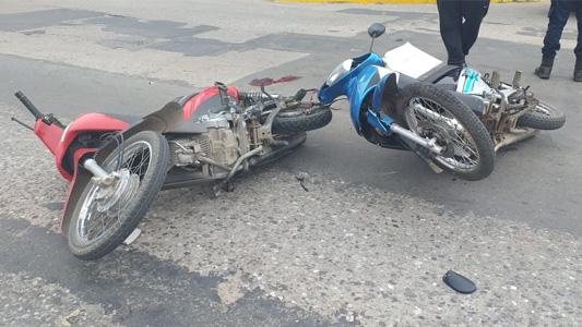 Falleció el jubilado que chocó con su moto en avenida Perón